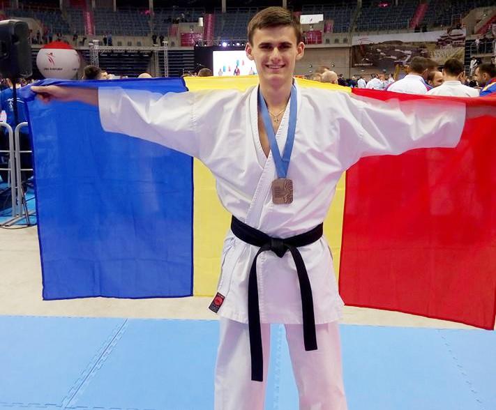 Cristian Bernic, medaliat cu bronz