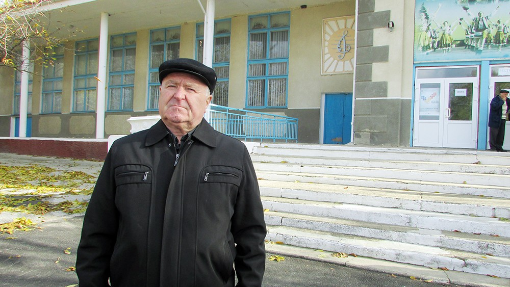 1. Nicolae Dâru spune că regimul separatist de la Tiraspol le-a închis grădinița din localitate. Foto: Lilia Zaharia