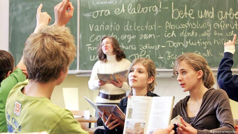 Prima limbă străină studiată în şcolile germane este latina. Sursa: picture-alliance/dpa
