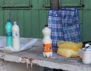Lapte în peturi la pieţele alimentare din oraşul Ungheni