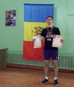 Dumitru Dilion a cucerit două medalii de argint.