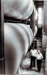 Fabrica de vin din Ungheni. Depozitul de vinuri. Anul 1990.