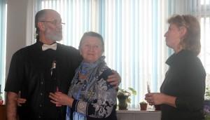Victor Cobzac alături de surorile sale