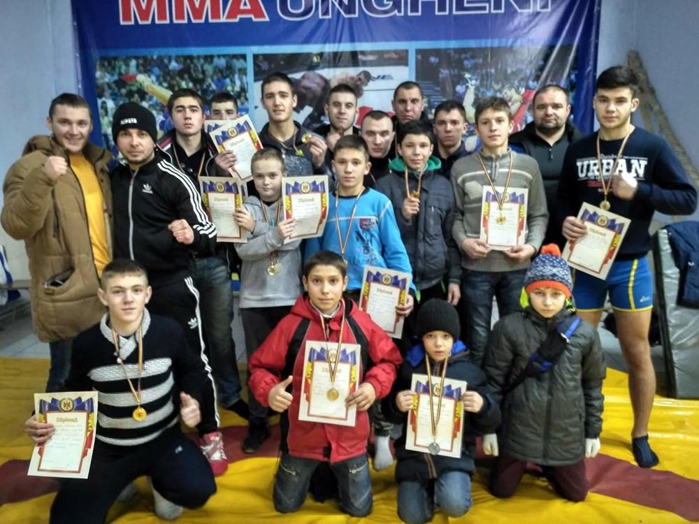 Participanți la campionat